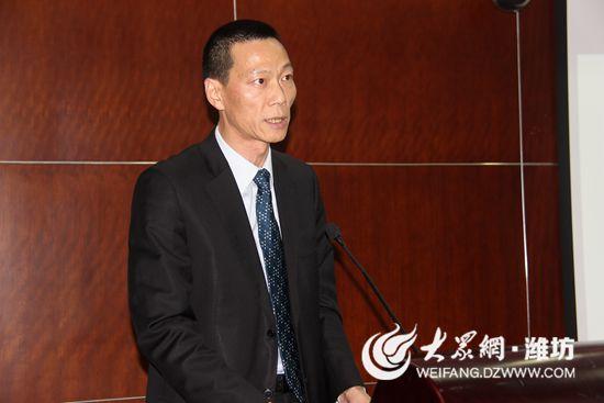 寿光市规划局局长李建东作述职报告